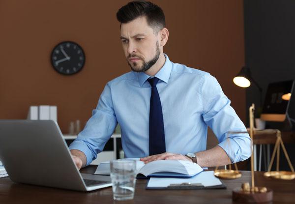 Unsere Anwaltskanzlei prüft Ihren Online Shop und erstellt alle Rechtstexte