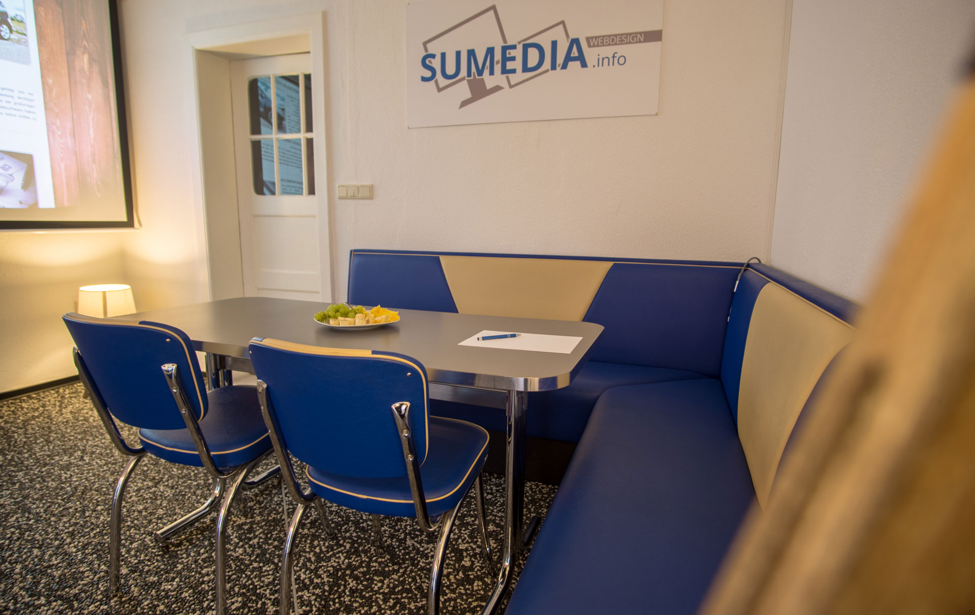 SUMEDIA Webdesign online Marketing Büro Falkensee Meetingbereich